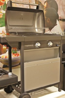 Gas grill for cooking in an emergency